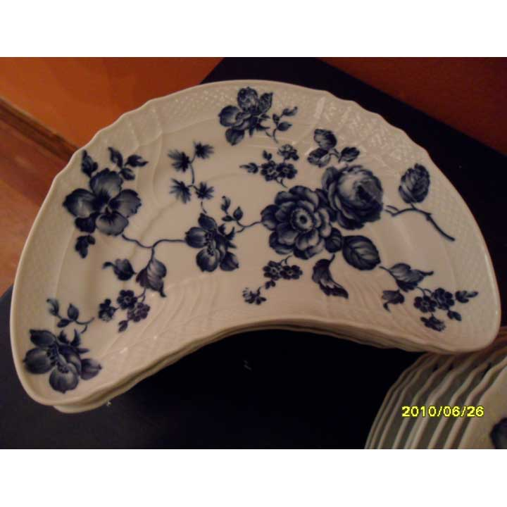 Blue Rose Crescent-Shaped Plate