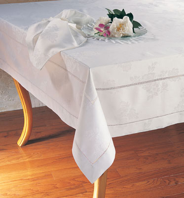 "Floral Damask Tablecloth 65x160"" Ob"